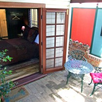 Merlot Room - Courtyard Setting